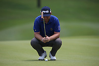 Andy Sullivan (ENG) spots his putting line on the 8th during the Final Round of the 2014 Maybank Malaysian Open at the Kuala Lumpur Golf & Country Club, Kuala Lumpur, Malaysia. Picture:  David Lloyd / www.golffile.ie