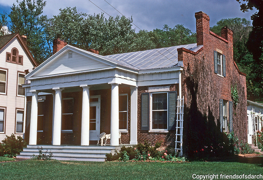 Galena: Hodge House, 1845. Park Avenue. Photo '77.