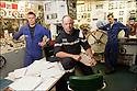Les gars des machines.<br /> SM Coquerau (Pupitreur)<br /> LV Guerriau (Officier de quart Navire)<br /> MO Hubert (Opérateur TO)