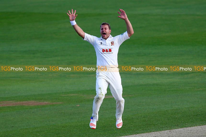 Neil Wagner of Essex with an appeal for a wicket during Essex CCC vs Hampshire CCC, Specsavers County Championship Division 1 Cricket at The Cloudfm County Ground on 20th May 2017