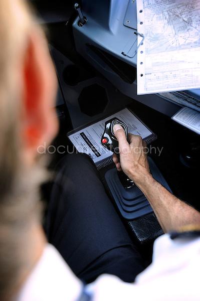 copyright : magali corouge / Documentography.10/06/09.Me?tier : Pilote..Manette de decollage.