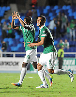 CALI - COLOMBIA -21 -09-2014: Yerson Candelo (Izq.) jugador de Deportivo Cali celebra el gol anotado a Fortaleza FC durante partido entre Deportivo Cali y Fortaleza Fc, de la fecha 10 de la Liga Postobon II-2014, jugado en el estadio Pascual Guerrero de la ciudad de Cali. / Yerson Candelo (L) player of Deportivo Cali, celebrates a scored goal to Fortaleza FC, during a match between Deportivo Cali and Fortaleza FC for the 10 date of the Liga Postobon II-2014 at the Pascual Guerrero stadium in Cali city. Photo: VizzorImage  / Juan C Quintero / Str.