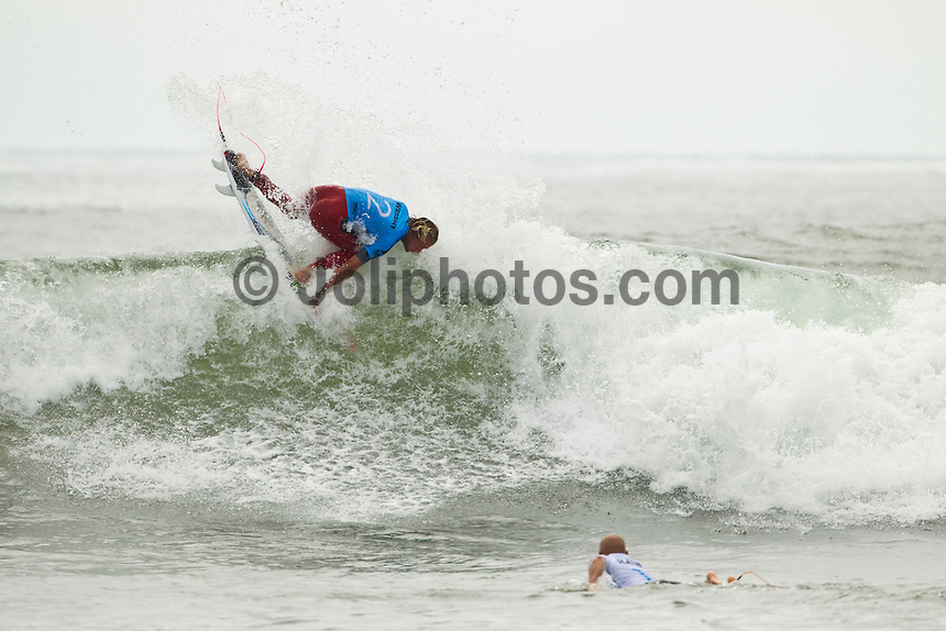 """LOWER TRESTLES, California/USA (Wednesday, September 21, 2011) - Kelly Slater (USA), 39, has won his fifth Hurley Pro at Trestles title, defeating Owen Wright (AUS), 21, in a hard-fought Final that saw the iconic Floridian overtake the young Australian in a last-minute exchange with a final score of 17.50 to 16.74...Slater and Wright's third consecutive Final bout marks a first in ASP history, as no two competitors have faced off in three successive ASP Dream Tour Finals - a noteworthy statistic in sparking this new rivalry in the battle for the ASP World Title...Slater roared to life on the Final day, unloading the highest heat-total of competition, 18.40 out of 20 in the Semifinals, and maintained his lethal form throughout the day's entirety with a consistent display of new-school airs and patented carves to clinch his unprecedented 48th elite ASP World Tour victory and third of the season...""""Owen (Wright) is tough and he's been surfing great,"""" Slater said. """"There really are no weak points to his surfing and he's going to be a standout in every spot. A lot of the guys tried to get him this week and I got lucky in that last exchange. I was taking the first wave of the set under his priority and once I got priority I wanted to wait. It almost looked like there wasn't a wave after Owen's. It's been fun surfing against Owen and surfing Lowers. It's been a great week and thanks everyone for the crazy support, it's been wonderful.""""..Wright, current No. 2 on the ASP World Title rankings, has continued to build momentum throughout his sophomore year amongst the ASP Top 34 and dispatched of a rampaging Mick Fanning (AUS), 30, and rookie prodigy Julian Wilson (AUS), 22, en route to his rematch against Slater, but was unable to solidify the victory over the veteran in the Final.  Photo: joliphotos.com"""