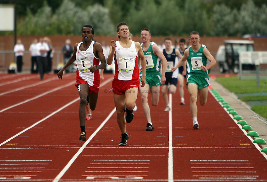 Photo: Rich Eaton...Schools International Athletic Board, Track & Field International Match, Newport. 21/07/2007. Muktar Mohammed (l) #2 of England edges ahead of Adam Moore (r) #1 of England to win the boys 800m in a close finish.