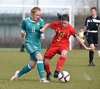 20180314 - TUBIZE , BELGIUM : Belgian Luna Vanzeir (R) and German Lisanne Grawe (L) pictured during the friendly female soccer match between Women under 15 teams of  Belgium and Gemany , in Tubize , Belgium . Wednesday 14 th March 2018 . PHOTO SPORTPIX.BE / DIRK VUYLSTEKE