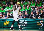 ****BETALBILD**** <br /> S&ouml;dert&auml;lje 2015-04-19 Basket SM-Final 1 S&ouml;dert&auml;lje Kings - Uppsala Basket :  <br /> Uppsalas Brice Massamba deppar efter att ha skadat sig under under matchen mellan S&ouml;dert&auml;lje Kings och Uppsala Basket <br /> (Foto: Kenta J&ouml;nsson) Nyckelord:  S&ouml;dert&auml;lje Kings SBBK T&auml;ljehallen Basketligan SM SM-Final Final Uppsala Basket skada skadan ont sm&auml;rta injury pain depp besviken besvikelse sorg ledsen deppig nedst&auml;md uppgiven sad disappointment disappointed dejected