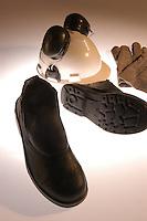 Calçados produzidos pela Abracol.<br /> Castanhal, Pará, Brasil.<br /> Foto Paulo Santos<br /> 2005