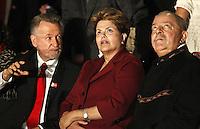 SAO PAULO, 18 DE MAIO DE 2012. VISITA DA PRESIDENTA DILMA A EXPOSIÇAO GUERRA E PAZ DE PORTINARI. O ex presidente Luis Inacio Lula da Silva e a Presidenta Dilma Rousseff durante visita a exposição guerra e paz de Candido Portinari no Memorial da America Latina na tarde desta sexta feira.  FOTO: ADRIANA SPACA - BRAZIL PHOTO PRESS