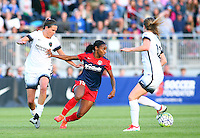 Boyds, MD - Saturday May 07, 2016: Washington Spirit forward Crystal Dunn (19) cuts between Portland Thorns FC defender Katherine Reynolds (2) and defender Emily Sonnett (16) during a regular season National Women's Soccer League (NWSL) match at Maureen Hendricks Field, Maryland SoccerPlex. Washington Spirit tied the Portland Thorns 0-0.