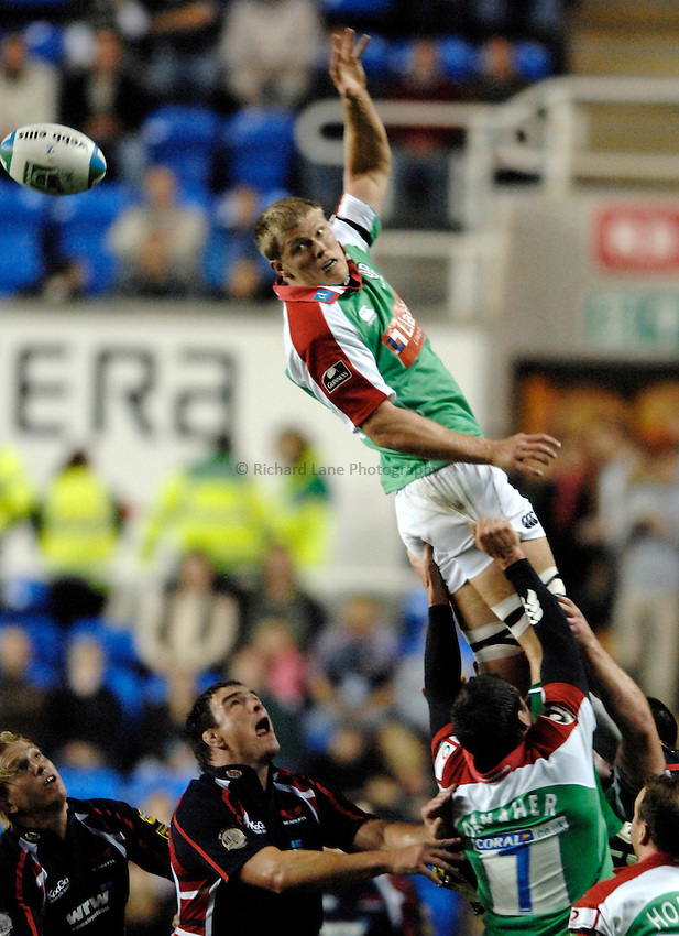 Photo: Richard Lane..London Irish v Llanelli Scarlets. Heineken Cup. 20/10/2006. .James Hudson of Irish wins a lineout.