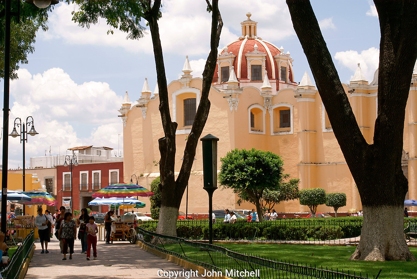 The Zocalo and Parroquia de San Pedro church in Cholula, Puebla, Mexico. Cholula is a UNESCO World Heritage Site.