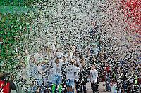 Roma 26/05/2013: Finale coppa Italia di Calcio tra Roma e Lazio. Coppa vinta dalla formazione della Lazio per 1 a 0 gola di Lulic. Nella foto i ragazzi della Lazio che festeggiano la coppa. Foto Adamo Di Loreto/Buenavista*photo