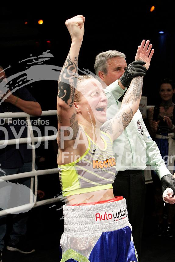 Eva Voraberger beim WBC WM-Boxkampf im Bantamgewicht in der Arena Nova. Wiener Neustadt, 07.04.2018
