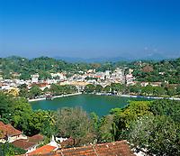 Sri Lanka, Kandy: view over town and Kandy Lake   Sri Lanka, Kandy: Stadtansicht und der Kandy Lake