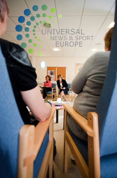 Health secretary Nicola Sturgeon, visits the Kershaw unit at Glasgows Gartnavel hospital,which provides hospital-based.treatment for individuals with alcohol dependence, as the minimum pricing bill was published.Picture: Johnny Mclauchlan News and Sport (Europe)01/11/2011