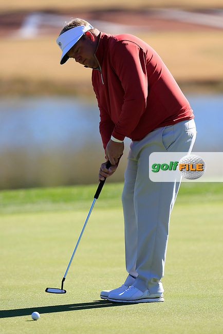Carl Pettersson (SWE) putts on the 9th green during Saturday's Round 3 of the 2017 CareerBuilder Challenge held at PGA West, La Quinta, Palm Springs, California, USA.<br /> 21st January 2017.<br /> Picture: Eoin Clarke | Golffile<br /> <br /> <br /> All photos usage must carry mandatory copyright credit (&copy; Golffile | Eoin Clarke)