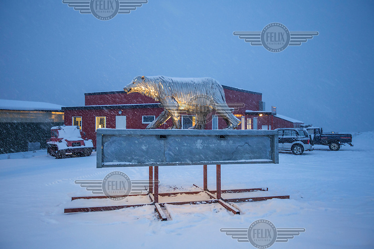 A statue of a polar bear statue, made from stainless steel. <br /> Norway's polar bear population lives in and around Svalbard.<br /> Svalbard (formerly known by its Dutch name Spitsbergen) is a Norwegian archipelago in the Arctic Ocean. Situated north of mainland Europe, it is about midway between continental Norway and the North Pole. <br /> <br /> <br /> (photo: Fredrik Naumann/Felix Features)