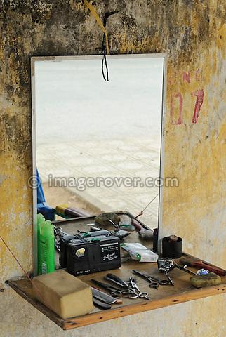 Asia, Vietnam, Ninh Binh. Typical road side hair salon.