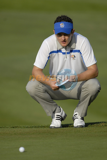 European Team player Justin Rose lines up his putt on the 4th green during the Morning Foursomes on Day1 of the Ryder Cup at Valhalla Golf Club, Louisville, Kentucky, USA, 19th September 2008 (Photo by Eoin Clarke/GOLFFILE)