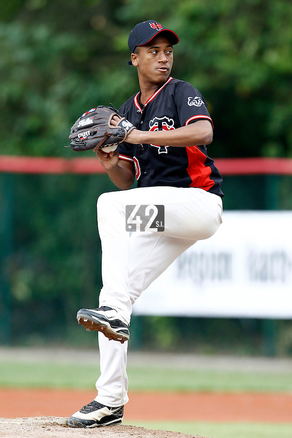 14 July 2011: Fernandito Garcia Martinez of Toulouse pitches against Rouen during the 2011 Challenge de France match won 15-0 by the Rouen Huskies over the Stade Toulousain at Stade Pierre Rolland, in Rouen, France.