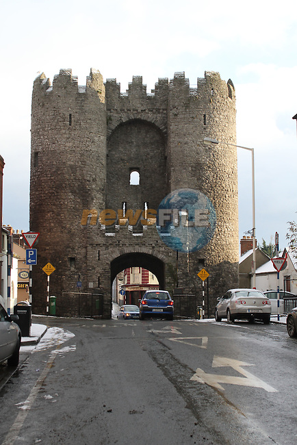 Laurence Gate and Laurence Street in Snow..(Photo credit should read Jenny Matthews www.newsfile.ie)....This Picture has been sent you under the conditions enclosed by:.Newsfile Ltd..The Studio,.Millmount Abbey,.Drogheda,.Co Meath..Ireland..Tel: +353(0)41-9871240.Fax: +353(0)41-9871260.GSM: +353(0)86-2500958.email: pictures@newsfile.ie.www.newsfile.ie.