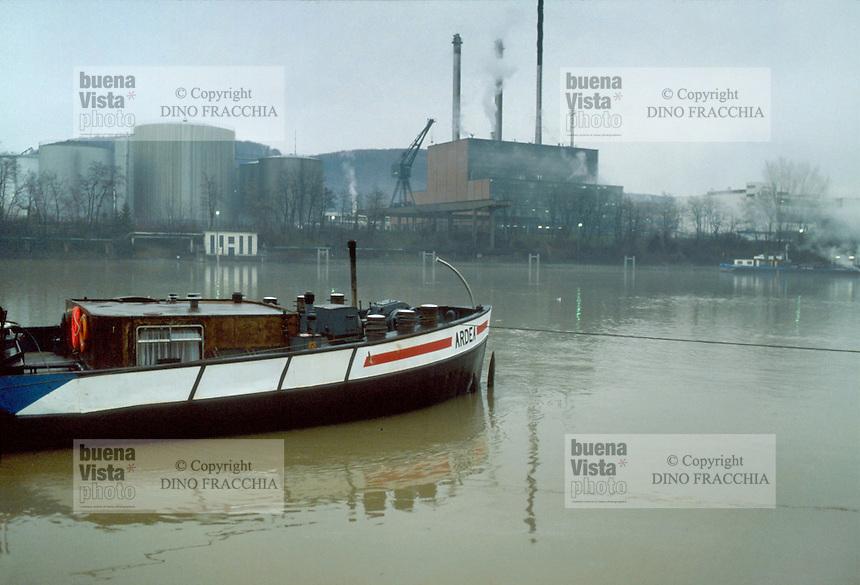 - the industrial area of Basel on Reno river....- la zona industriale di Basilea sul fiume Reno