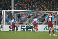 Bristol penalty opens the scoring<br /> Scunthorpe United vs Bristol City - Sky Bet League One Football at Glanford Park, Scunthorpe, Lincolnshire - 17/01/15 - MANDATORY CREDIT: Mark Hodsman/TGSPHOTO - Self billing applies where appropriate - contact@tgsphoto.co.uk - NO UNPAID USE