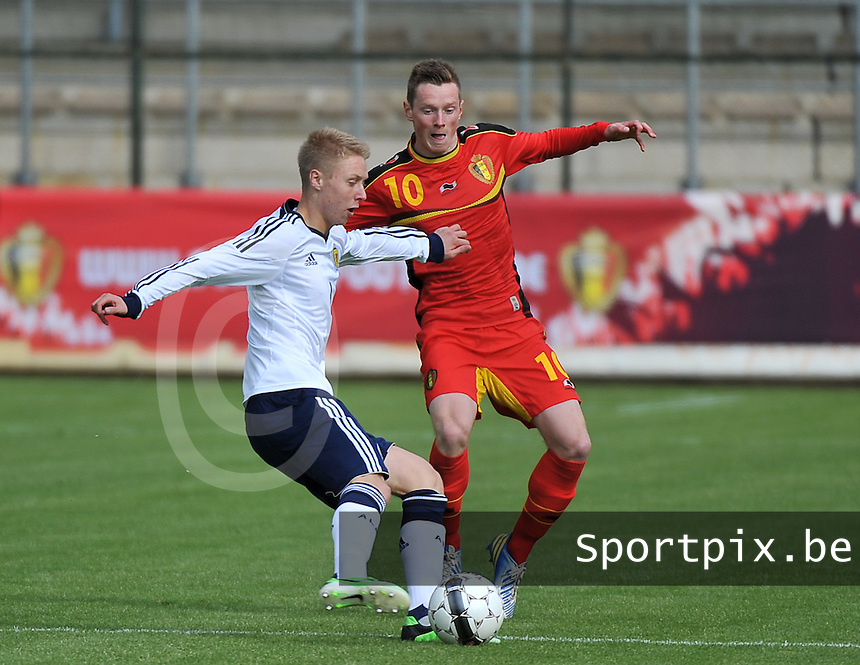 Scotland U19 - Belgium U19 : duel between Jamie Lindsay (l) and Rob Schoofs (10).foto DAVID CATRY / Nikonpro.be