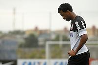 SAO PAULO, SP 24 JUNHO 2013 - TREINO CORINTHIANS - O jogador do Corinthians Gil, treinou na manhã de hoje, 24, no Ct. Dr. Joaquim Grava, na zona leste de São Paulo. FOTO: PAULO FISCHER/BRAZIL PHOTO PRESS