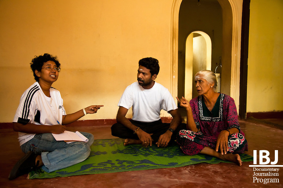 Colombo, Sri Lanka - JusticeMaker Fellow Harshi Perera meets with the mother and brother of Selvaraja Sivasakhty, who has been accused of terrorism and has been a pre-trial detainee for over 2 years.  They have spent all their resources trying to get Sivasakhty out of jail, but with no other results than completely depleting all the family's savings.  As part of her project for JusticeMakers, Harshi will provide legal aid to help finally bring Sivasakhty case before a judge.
