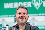 08.11.2018, Weserstadion, Bremen, GER, 1.FBL, PK SV Werder Bremen<br /> <br /> im Bild <br /> Florian Kohfeldt (Trainer SV Werder Bremen) <br /> bei PK / Pressekonferenz vor dem Heimspiel gegen Borussia Moenchengladbach, <br /> <br /> Foto &copy; nordphoto / Ewert