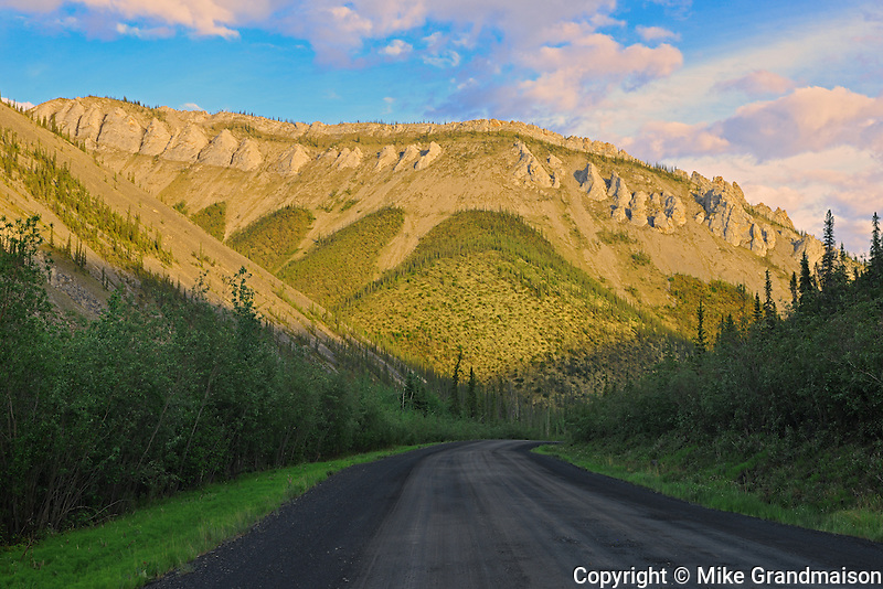 Ogilvie Mountains on the Dempster Highway (KM 205)<br /> Dempster Highway<br /> Yukon<br /> Canada