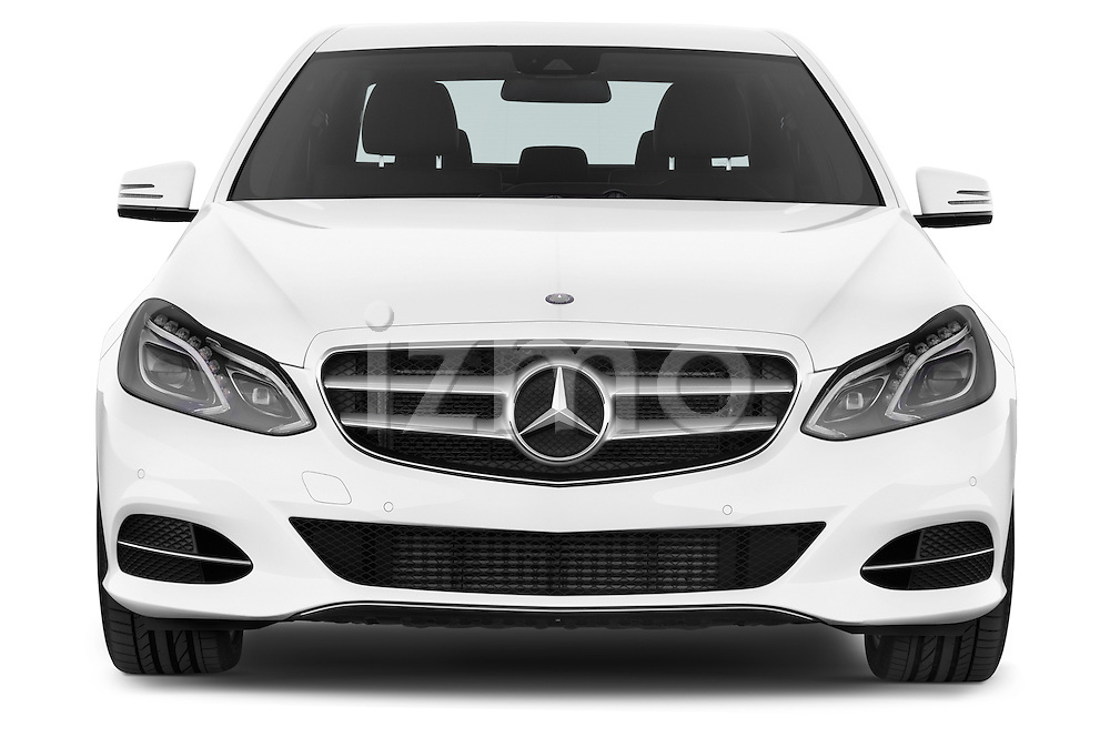 Car photography straight front view of a 2015 Mercedes Benz Classe E E220 4 Door Sedan 2WD Front View