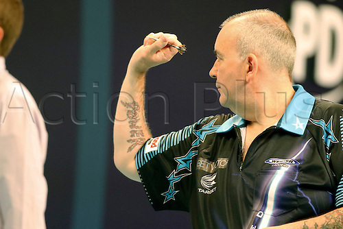 24.07.2016. Empress Ballroom, Blackpool, England. BetVictor World Matchplay Darts. Phil Taylor shooting darts