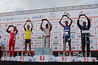 SAO PAULO, SP, 04 DE MARCO DE 2012 - MEIA MARATONA INTERNACIONAL DE SAO PAULO - Joseph Kashapin Aperumoi (C) atleta do Quenia recebe trofeu apos vencer a prova masculina durante a largada da Meia Maratona Internacional de Sao Paulo, na Praca Charles Muller, na manha deste domingo, 04. FOTO WARLEY LEITE - BRAZIL PHOTO PRESS.