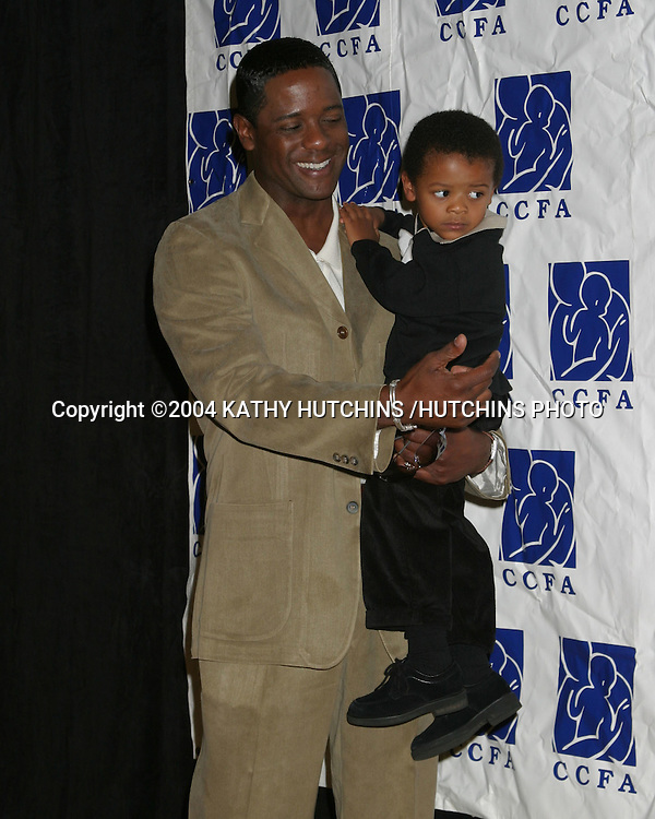 ©2004 KATHY HUTCHINS /HUTCHINS PHOTO.LUNCHEON FOR CARING FOR BABIES WITH AIDS.BEVERLY HILLS, CA.OCTOBER 24, 2004..BLAIR UNDERWOOD AND SON