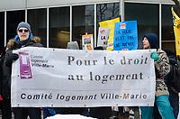 Premiere manifestation du FRAPRU au bureau de Francois Legault, 770 Rue Sherbrooke Ouest,JEUDI, LE 7 fevrier 2019.<br /> Photo:  Agence Quebec Presse