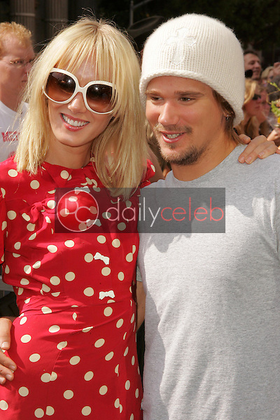 Kimberly Stewart and Sean Stewart<br />at the Ceremony Honoring Rod Stewart with a star on the Hollywood Walk of Fame. Hollywood Boulevard, Hollywood, CA. 10-11-05<br />Dave Edwards/DailyCeleb.com 818-249-4998