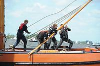 SKUTSJESILEN: WOUDSEND: Hegemer Mar, 02-06-2012, Jubileumwedstrijd Woudsend, Bemanning, Ut 'e Striid, SKS skûtsje Langweer, ©foto Martin de Jong