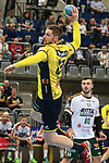 Rhein Neckar Loewe Hendrik Pekeler (Nr.23)  bei Torwurf beim Spiel in der Handball Bundesliga, Rhein Neckar Loewen - HSG Wetzlar.<br /> <br /> Foto &copy; PIX-Sportfotos *** Foto ist honorarpflichtig! *** Auf Anfrage in hoeherer Qualitaet/Aufloesung. Belegexemplar erbeten. Veroeffentlichung ausschliesslich fuer journalistisch-publizistische Zwecke. For editorial use only.