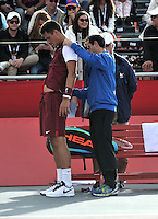 BOGOTA- COLOMBIA 26-07-2015: Bernard Tomic de Australia, recibe atención medica, durante partido del ATP Claro Open Colombia de Tenis en las canchas del Centro de Alto rendimiento en Altura en la ciudad de Bogota. / Bernard Tomic of Australia, receives medical attention, during a match to the ATP Claro Open Colombia of Tennis in the courts of the High Performance Center in Altura in Bogota City. Photo: VizzorImage / Luis Ramirez / Staff.