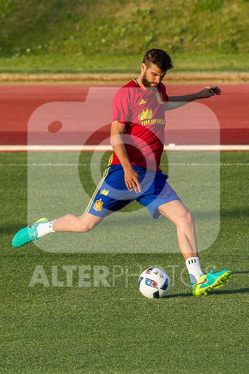Spain's Gerard Pique during the first training of the concentration of national soccer team before the Uefa Euro 2016.  Jun 4,2016. (ALTERPHOTOS/Rodrigo Jimenez)