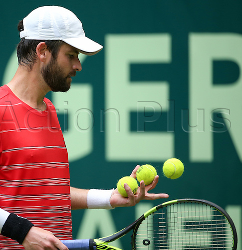 14.06.2016. Halle, North Rhine-Westphalia, Germany, Gerry Webber open Tennis tournament.  Brian Baker from the US in action against F. Mayer from Germany during the ATP tournament in Halle, Germany, 14 June 2016.