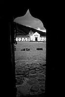 VILLA DE LEYVA-COLOMBIA-08-02-2011. Plaza Principal y Catedral de Villa de Leyva, en el departamento de Boyca, Colombia, febrero 08 de 2011. Main Square and Cathedral of Villa de Leyva, in Boyca department, Colombia, on February 08, 2011. (Photo: Luis Ramirez)..