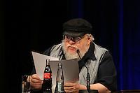 """Autor George R. R. Martin liest ein unbekanntes Kapitel aus dem neuen Band """"Winds of Winter"""" - Lesung George R.R. Martin im CCH Hamburg"""