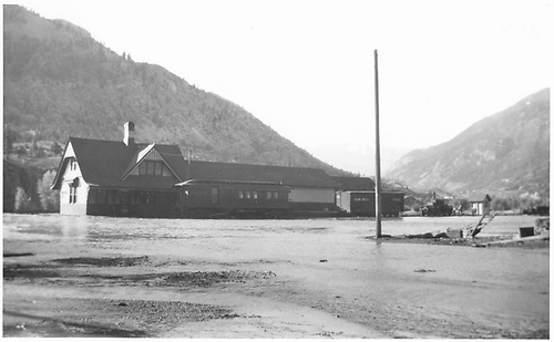 Lake City station in 1921 flood.<br /> D&amp;RG  Lake City, CO  1921