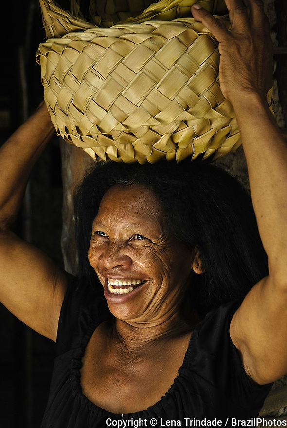 Portrait of Brazilian black woman, afro-Brazilian worker, artisan, Maranhão State, Brazil.