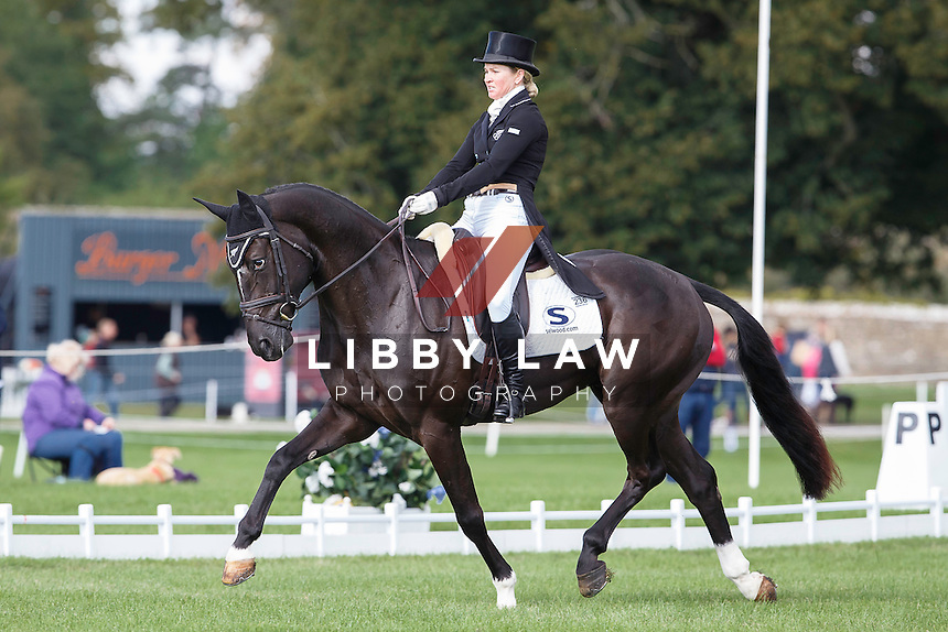 NZL-Jonelle Price (CLOUD DANCER) INTERIM-1ST: CIC3* 8/9YO FIRST DAY OF DRESSAGE: 2015 GBR-Blenheim Palace International Horse Trial (Thursday 17 September) CREDIT: Libby Law COPYRIGHT: LIBBY LAW PHOTOGRAPHY