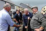 11-8-2014: Dan Tim O'Sullivan from Glenbeigh strikes a deal over cattle with Donal Kissane from Beaufort at Puck Fair, Killorglin on Monday.<br /> Picture by Don MacMonagle