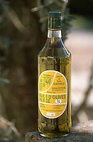 Europe/France/Provence-Alpes-Côte d'Azur/84/Vaucluse/Oppède: Huile d'Olive du Moulin à Huile Mathieu
